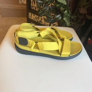 Fitflop sandals size 12